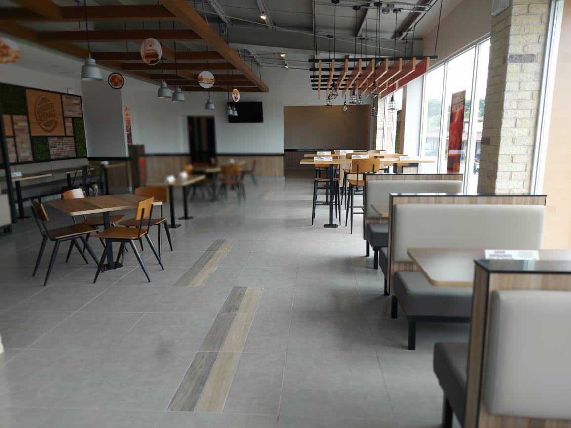 La franquicia adelantó la apertura del local para apoyar la reactivación económica.