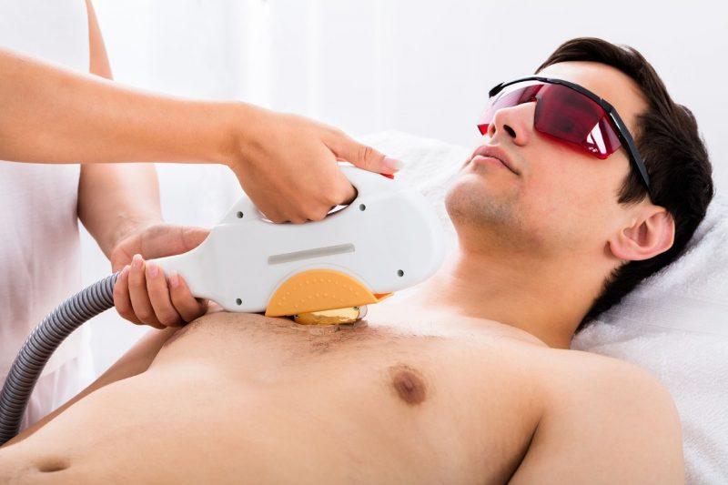 La depilación láser, rellenos faciales y peelings, entre otros, son procedimientos que mal aplicados pueden generar complicaciones en la salud y apariencia de la piel.