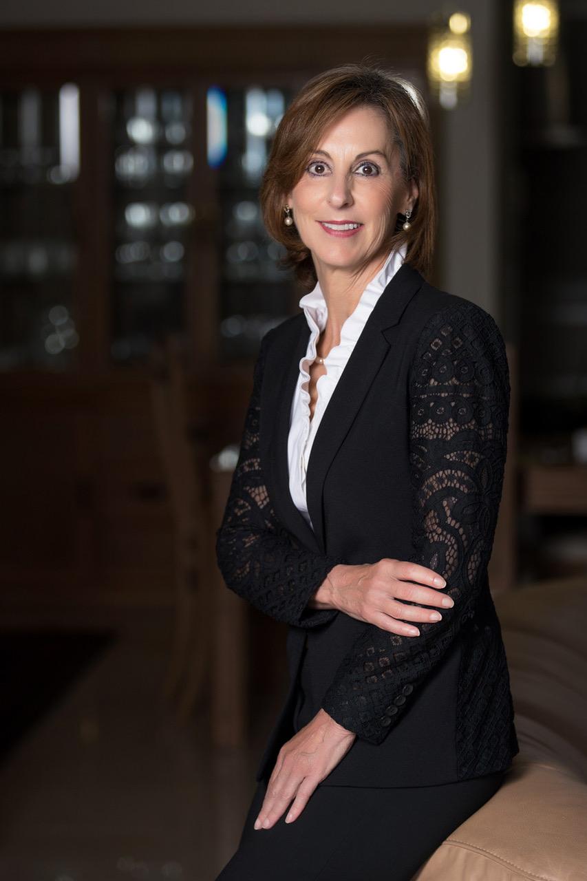 """Flora Montealegre, delegada ejecutiva de Fundación CRUSA: """"las personas interesadas pueden inscribirse a la Hackathon hasta el 9 de octubre""""."""