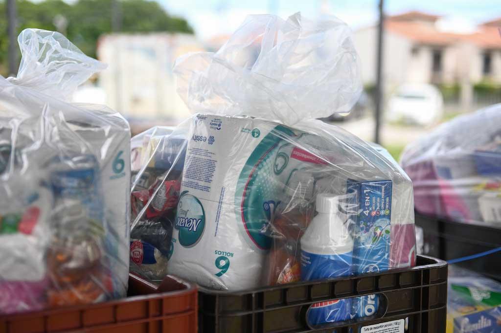 Más de 600 familias en 6 provincias reciben diarios básicos para satisfacer las necesidades de alimentación e higiene de una familia de 4 miembros, por un periodo de 15 días.