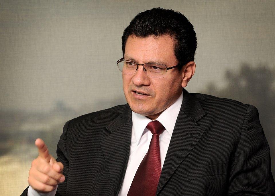 """Carlos Montenegro, Director Ejecutivo de la CICR: """"nuevos impuestos específicos atentan contra situación económica, niveles de desempleo y competitividad, así como desincentiva la innovación y la investigación""""."""