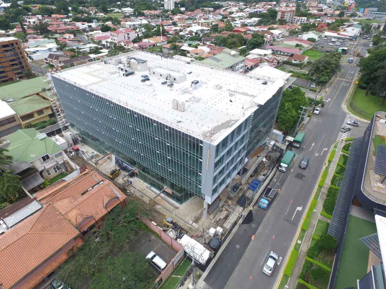 EY ocupará el 50% de Epic Corporate Center. El inmueble aún cuenta con espacios disponibles para arrendamientos.
