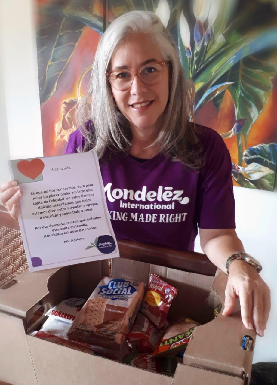 """Colaboradores de Mondelēz International donarán huertas urbanas que han sembrado y """"Cajas de Alegría"""" con alimentos no perecederos."""