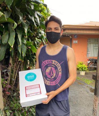 Nicolás Ríos es uno de los estudiantes que recibe clases de forma virtual y por un período de 6 meses.