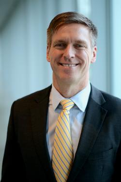 Sean S. Fitzgerald, CEO de MCI.
