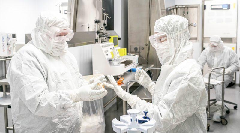 La compañía está comprometida con poner a disposición del público una vacuna asequible sin fines de lucro para su uso de emergencia en la pandemia.