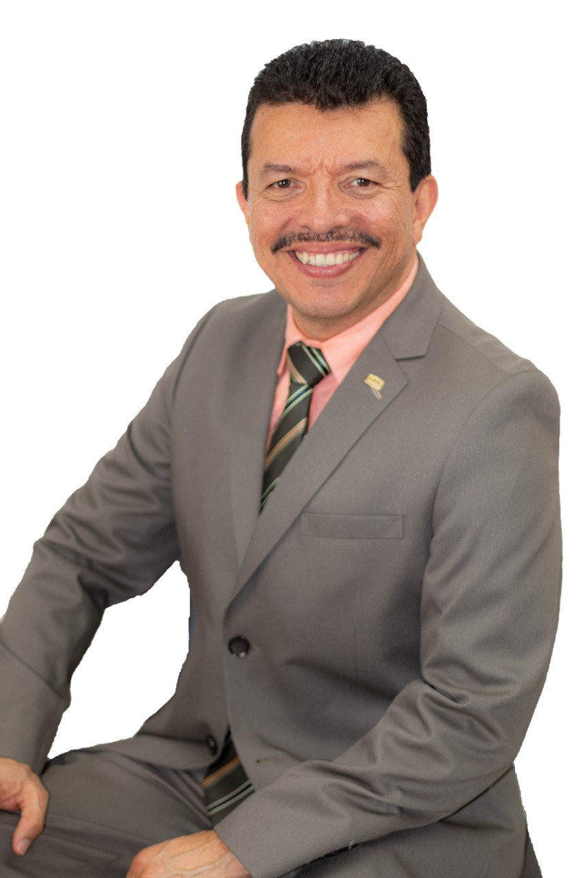 """Guillermo Smith, presidente del Colegio de Contadores Públicos: """"el Gobierno debe ser más eficiente en disminuir gastos y atender la evasión fiscal""""."""