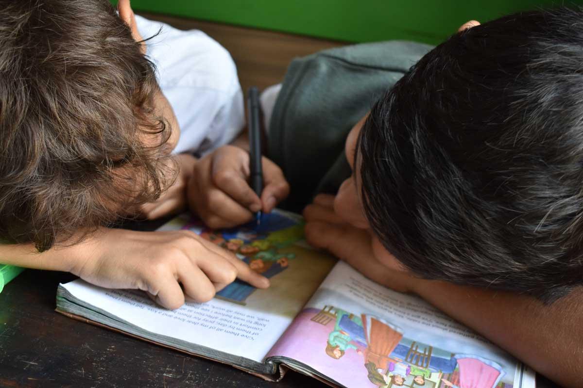 El programa se enfoca en apoyar a niños que destacan por arriba de la media en un área específica, pero no cuentan con los recursos para potencializarse.