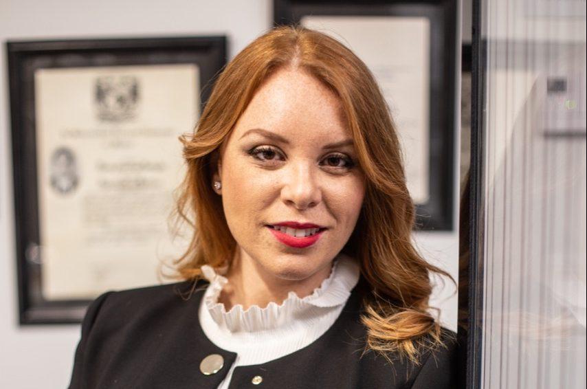 Msc. Paola Alvarenga, especialista en Compliance.