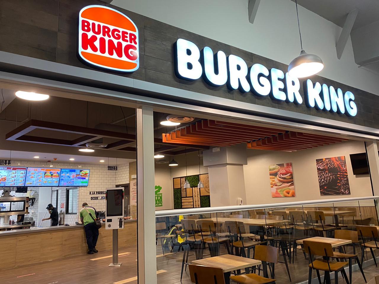 El nuevo logo ya está en algunos restaurantes del país.