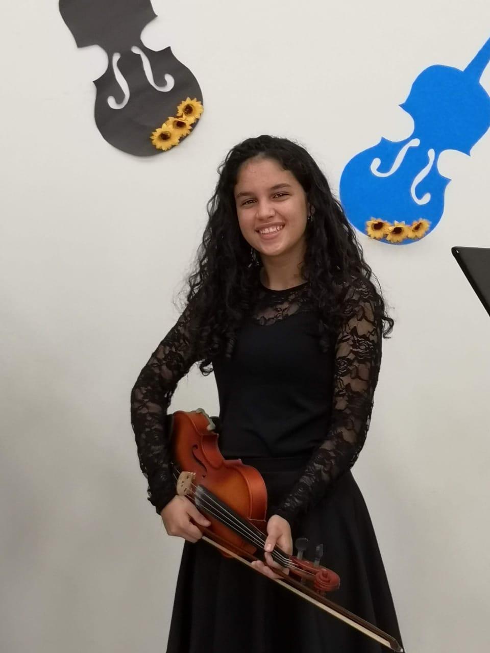 María Tracy Cambronero Sibaja estudiará Ingeniería Biomédica.