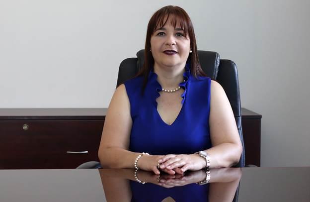 """Emilia Gazel, vicerrectora de Fidélitas: """"los cursos son virtuales y serán recibidos por todos los estudiantes de primer ingreso""""."""