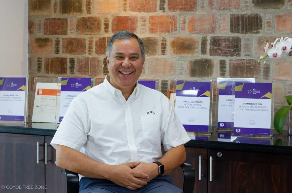 Carlos Wong, Director de CFZ.