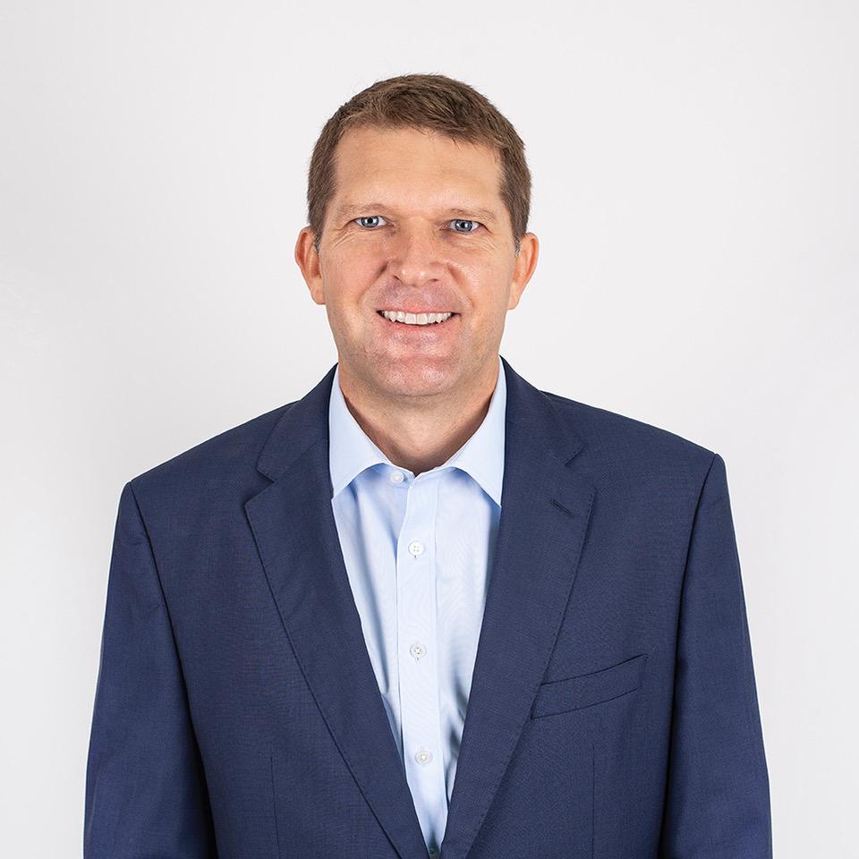 """Mike Fangman, CEO de LatAm Logistic Properties: """"la certificación demuestra compromiso empresarial con la ejecución de buenas prácticas para la reducción del consumo hídrico y energía, así como menores emisiones de CO2""""."""