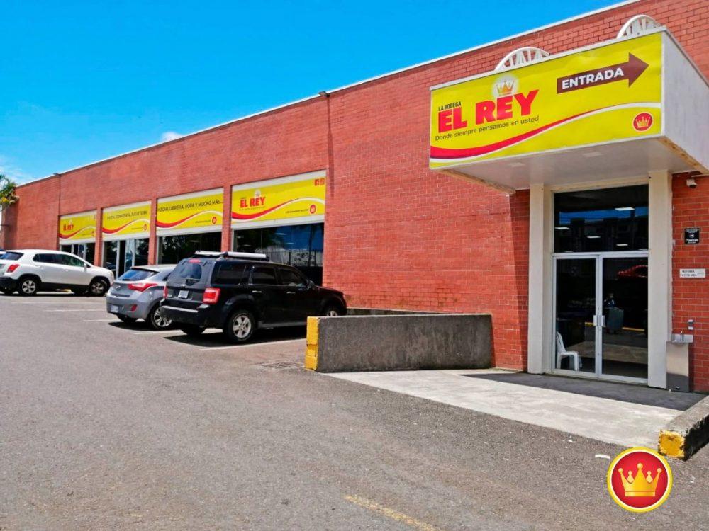 La primera tienda del nuevo modelo de negocio de Almacenes El Rey, reacondicionará su infraestructura para ampliar su oferta de productos en el lugar.