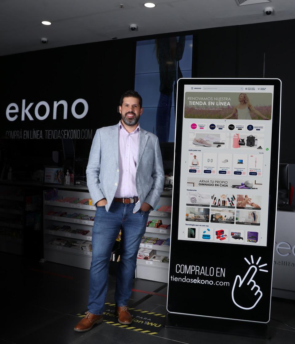"""Jovel Quesada, gerente de Ecommerce de Tiendas Ekono: """"la cadena desde hace  tres años cuenta con su plataforma de ventas online""""."""