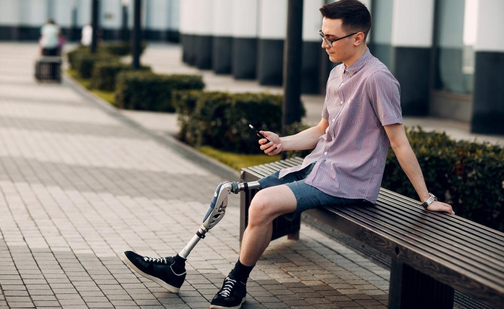 Para las personas con discapacidad la accesibilidad a los dispositivos y aplicaciones es imprescindible para mejorar su calidad de vida y autonomía personal.