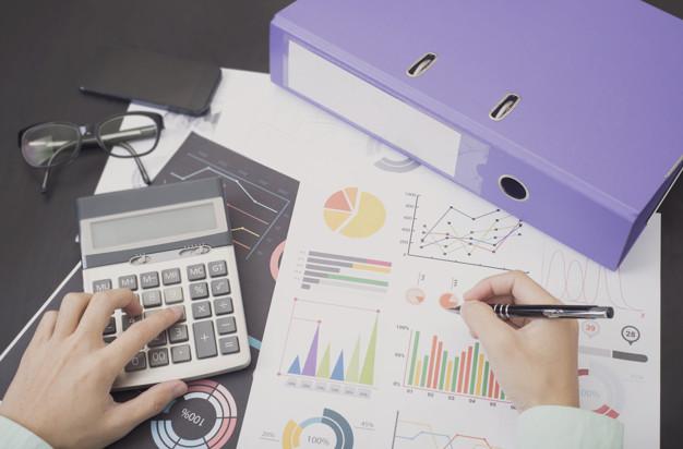 Reducir gastos generales y encontrar una manera creativa de generar otros tipos de ingresos colaterales a su actividad principal, ayudarán a las empresas y personas a lograr su recuperación.
