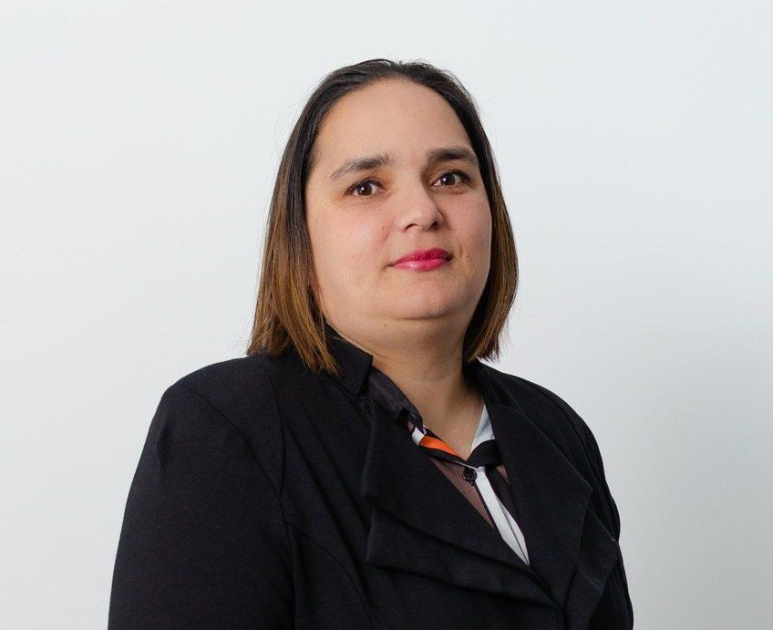 """Victoria Scott, Gerente Senior de Consultoría en Compensación & Beneficios de PwC Costa Rica: """"el 72% de las empresas encuestadas realizaron ajustes salariales en el año""""."""