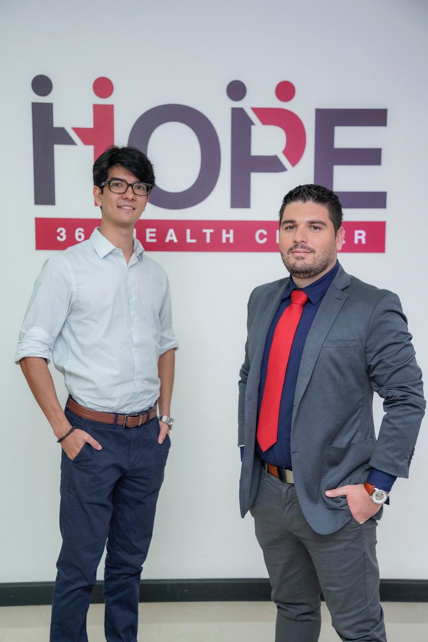 La clínica está liderada por el Dr. Daniel Wesson y Jean Carlo Gamboa, director de operaciones de HOPE 360 Health Center.